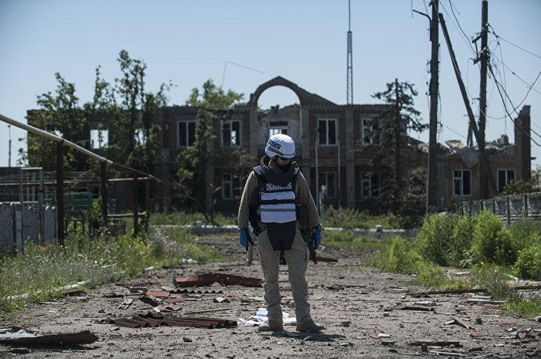 Наблюдатель ОБСЕ в деревне Широкино, июль 2015 года