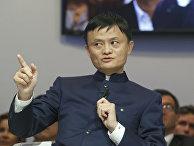 Лидер компании Alibaba Джек Ма выступает на экономическом форуме в Давосе