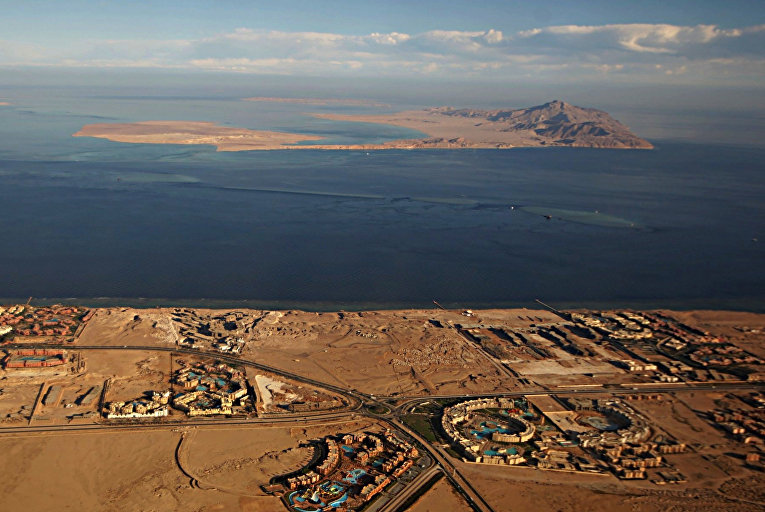 Острова Тиран и Санафир в Красном море
