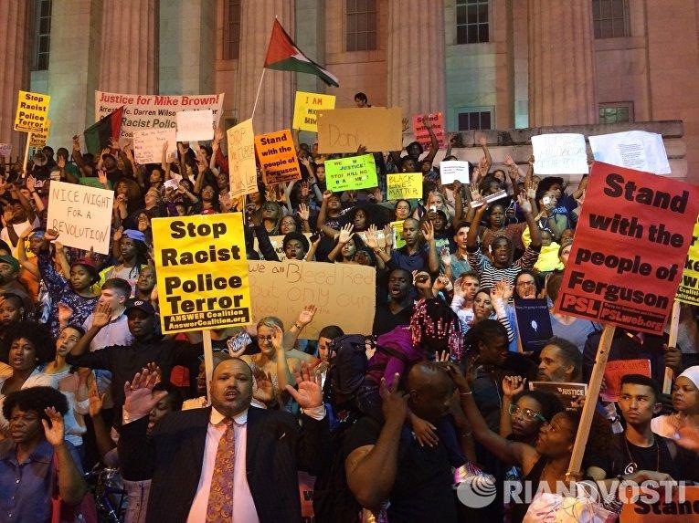 Акции протеста в Вашингтоне против расизма полицейских