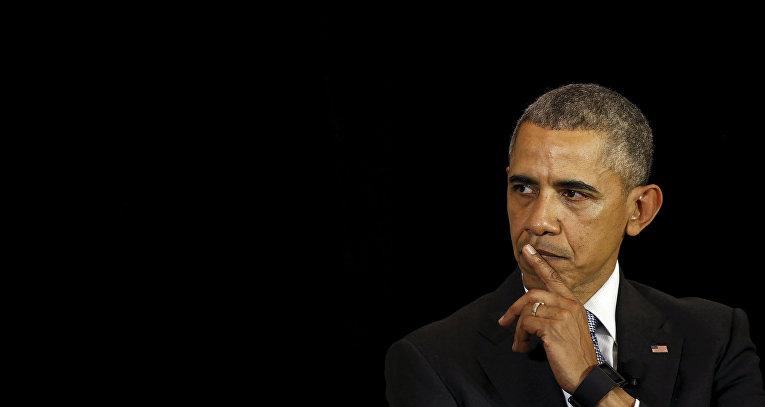 Президент США Барак Обама во время выступления перед студентами школы права Чикагского университета