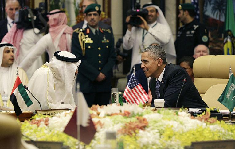 Президент США Барак Обама и наследный принц Абу-Даби Мухаммад Бен Зайд аль-Нахайян на заседании Совета по сотрудничеству стран Персидского залива