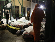 Беженцы устроились на ночлег возле шведского Агентства по миграции