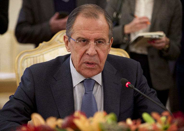 Министр иностранных дел России Сергей Лавров на встрече со своим армянским коллегой Эдуардом Налбандяном в Москве