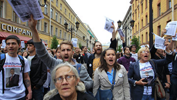 Народный сход в поддержку Алексея Навального в Санкт-Петербурге