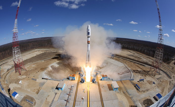 Старт ракеты-носителя «Союз-2.1а» с тремя российскими спутниками «Ломоносов», «Аист-2Д» и SamSat-218 с космодрома «Восточный»