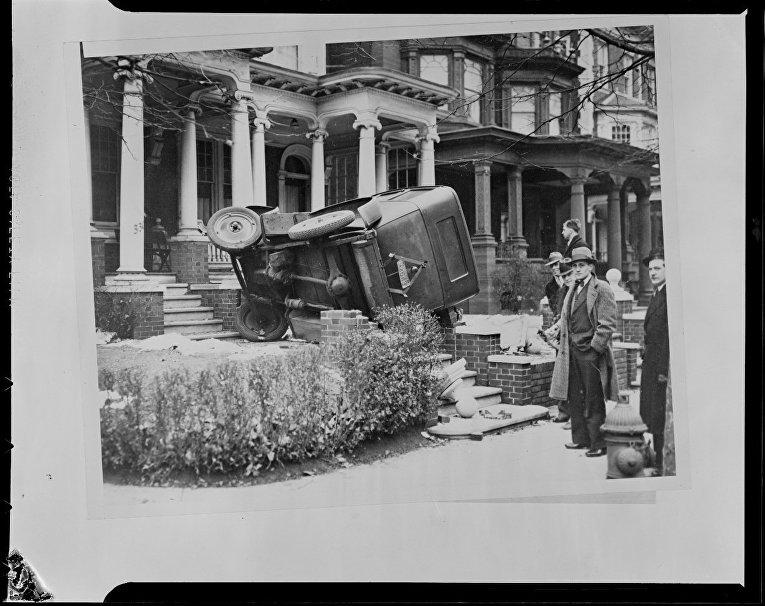 Торопясь доставить Тилли Муни из Филадельфии в больницу, водитель не справился с управлением