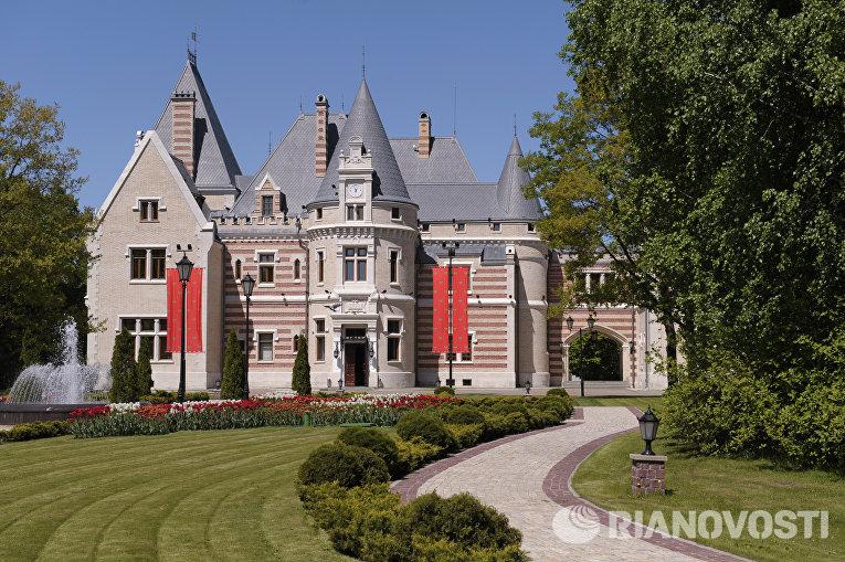 Резиденция президента России «Замок Майендорф» в Барвихе