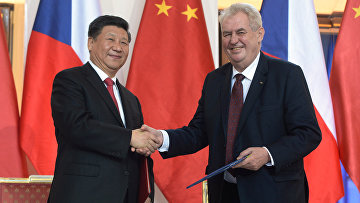 Президент Китая Си Цзиньпин и президент Чехии Милош Земан в Праге