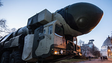Траспортировка пусковой установки «Тополь» на ВДНХ
