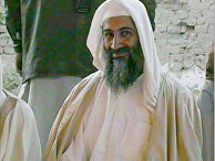 Усама Бен Ладен на свадьбе своего сына в январе 2001 года