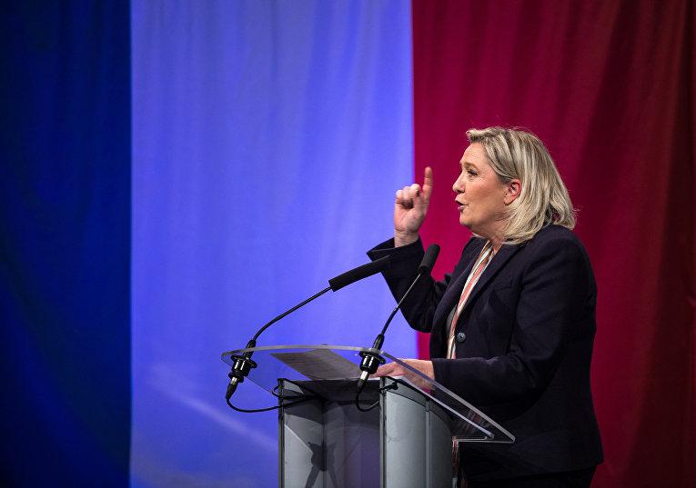 Лидер французского «Национального фронта» Марин Ле Пен