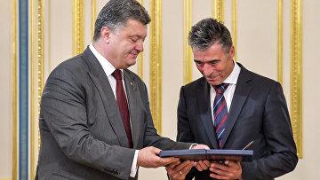 Петр Порошенко встретился с генеральным секретарем НАТО Расмуссеном