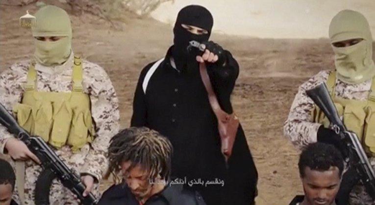 Боевики Исламского государства с захваченными в плен эфиопскими христианами в Ливии