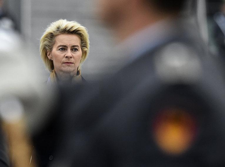 Министр обороны Германии Урсула Фон дер Ляйен в Берлине