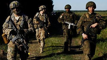 Польские и американские солдаты на учениях «Анаконда-16» в Польше