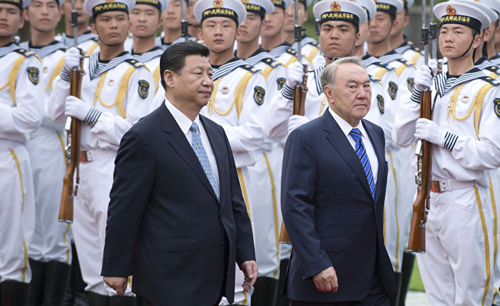 Председатель КНР Си Цзиньпин и президент Казахстана Нурсултан Назарбаев