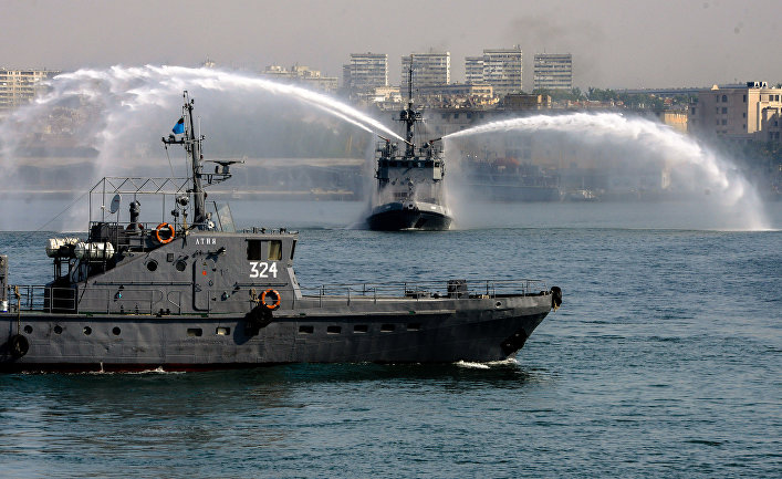 Корабли ВМС Болгарии во время военных упражнений «Бриз-2014»
