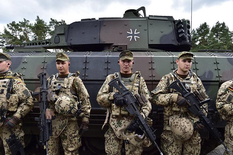 Солдаты 33-го разведывательного батальона армии ФРГ