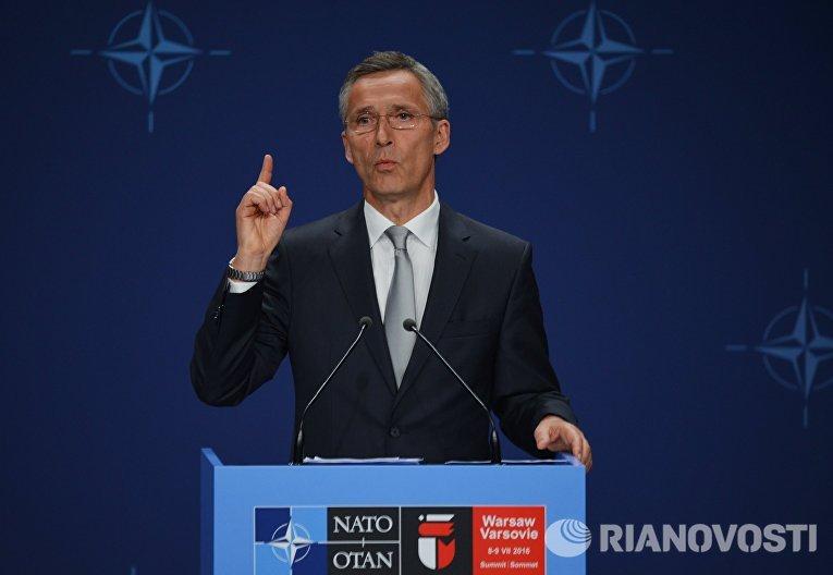 Генеральный секретарь НАТО Йенс Столтенберг на саммите НАТО в Варшаве