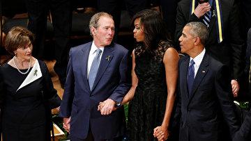 Буш танцует на траурной церемонии в Далласе