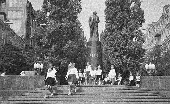 Памятник В. И. Ленину в Киеве