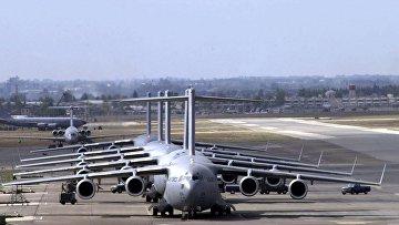 Военно-транспортные самолеты С-17 Globemaster III на авиабазе Инджирлик в Турции
