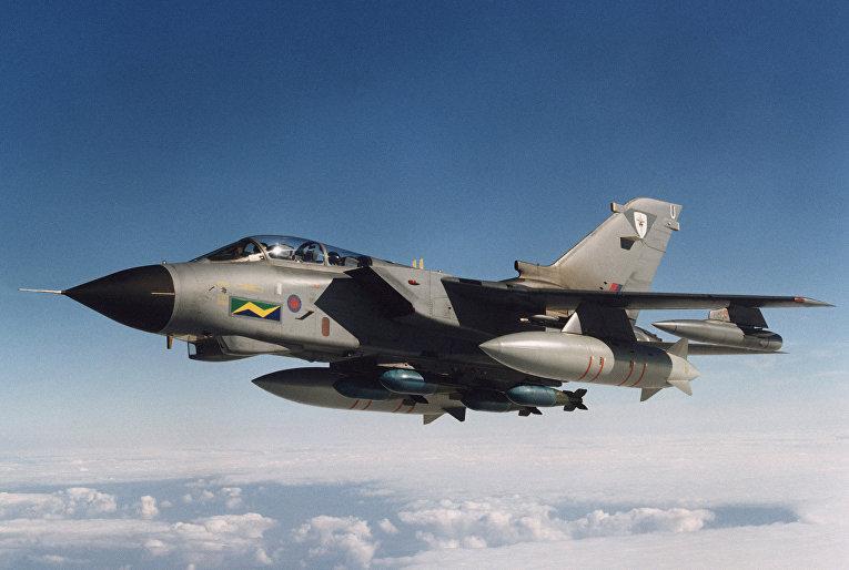 Истребитель Tornado ВВС Великобритании