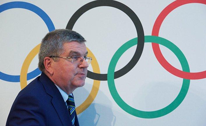 Президент Международного олимпийского комитета Томас Бах после заседания  МОК в Лозанне, где было принято решение не отстранять всю сборную России от участия в Летних олимпийских играх 2016 в Рио-де-Жанейро. 21 июня 2016 года