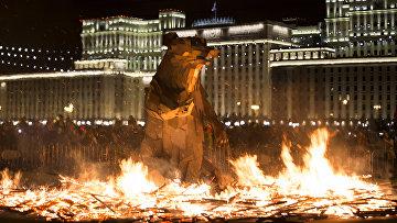 Горящий бурый медведь как символ весны