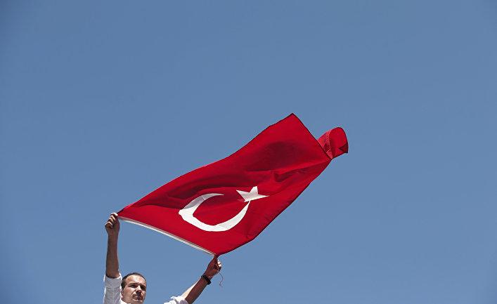 Акция протеста против попытки государственного переворота в Стамбуле