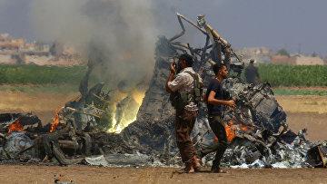 Обломки российского вертолета Ми-8 в провинции Идлиб