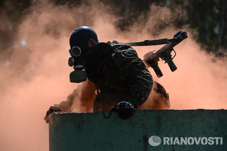 Военнослужащие вооруженных сил России на Международных армейских играх в Новосибирске
