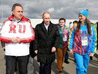 Владимир Путин, Елена Исинбаева и Виталий Мутко в Олимпийской деревне в Сочи