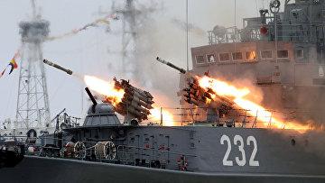Во время генеральной репетиции военно-морского парада, посвященного празднованию Дня военно-морского флота РФ в Балтийске