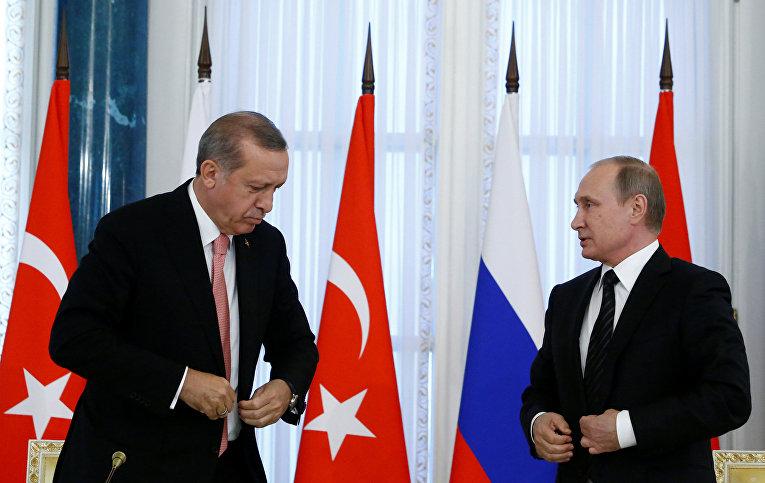 Президент Турции Реджеп Тайип Эрдоган на пресс-конференции