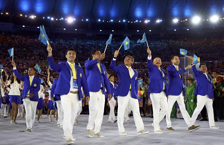 Спортсмены из Казахстана на церемонии открытия Олимпийских игр в Рио-де-Жанейро