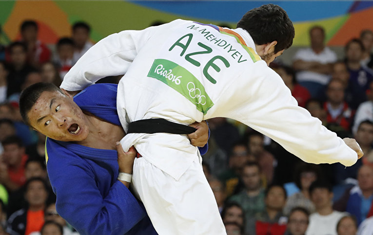 Азербайджанский дзюдоист Мамедали Мехдиев против дзюдоиста из Монголии Отгонбаатара Лкагмфсурена
