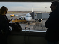 Пассажиры в зале ожидания терминала А аэропорта Толмачево