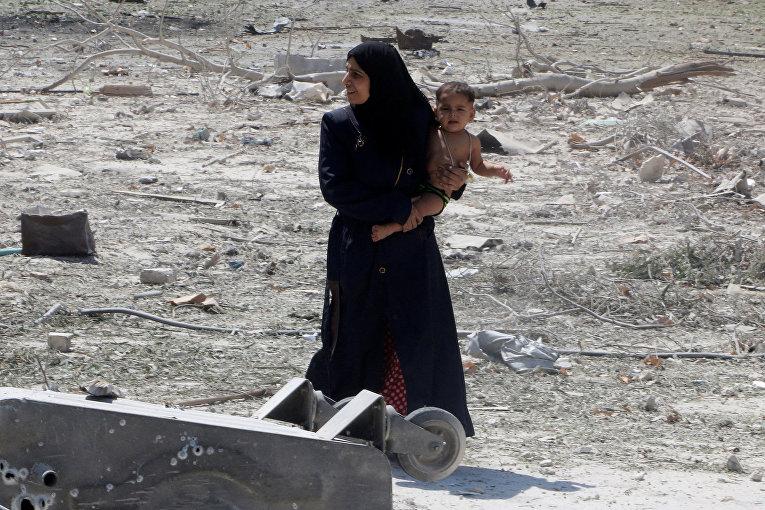 Последствия двойного авиаудара в Алеппо
