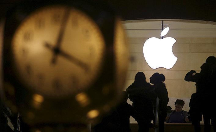 Логотип Apple на центральном вокзале Нью-Йорка