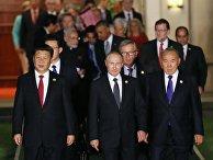 """Лидеры G20 перед совместным фотографированием глав делегаций государств-участников """"Группы двадцати"""" в Ханчжоу"""