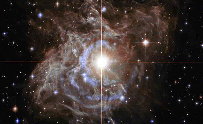 Изображение с телескопа Хаббл - переменной звезды известной как цефеида