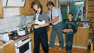 Семья космонавтов Елены Кондаковой и Валерия Рюмина