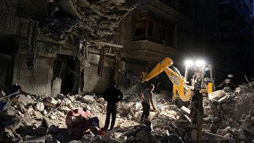 Поиски выживших после авиаудара в Алеппо