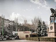 Памятник Григорию Котовскому в Кишиневе