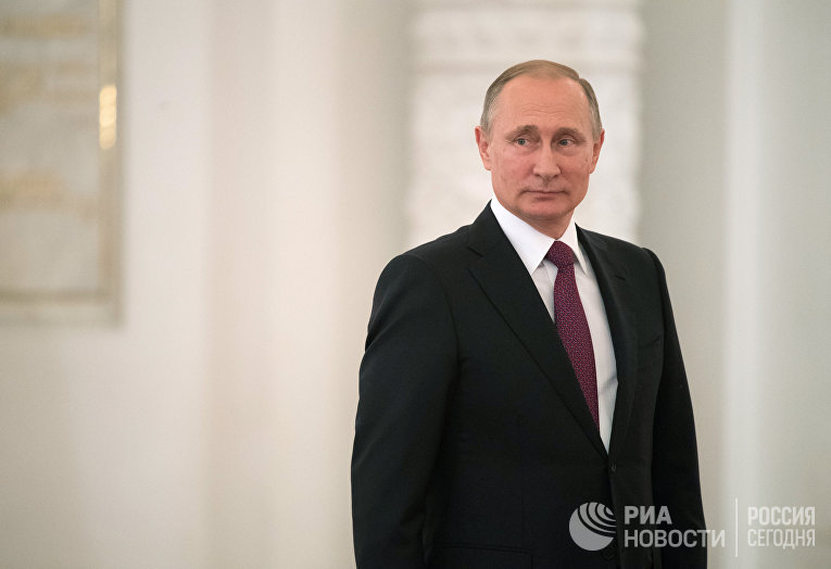 Президент РФ Владимир Путин во время встречи в Кремле