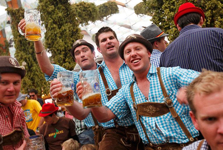 Пивной фестиваль Октоберфест 2010 Мюнхен Германия