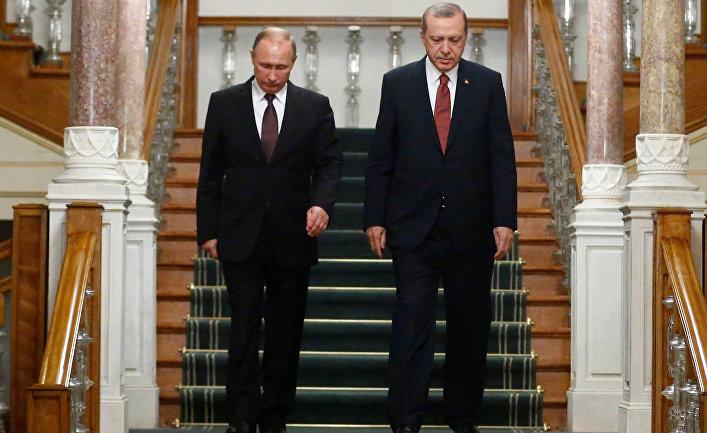 Президент России Владимир Путин и президент Турции Тайип Эрдоган на встрече в Стамбуле