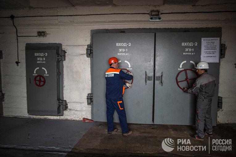 Герметичные двери бомбоубежища на Алтуфьевском шоссе в Москве